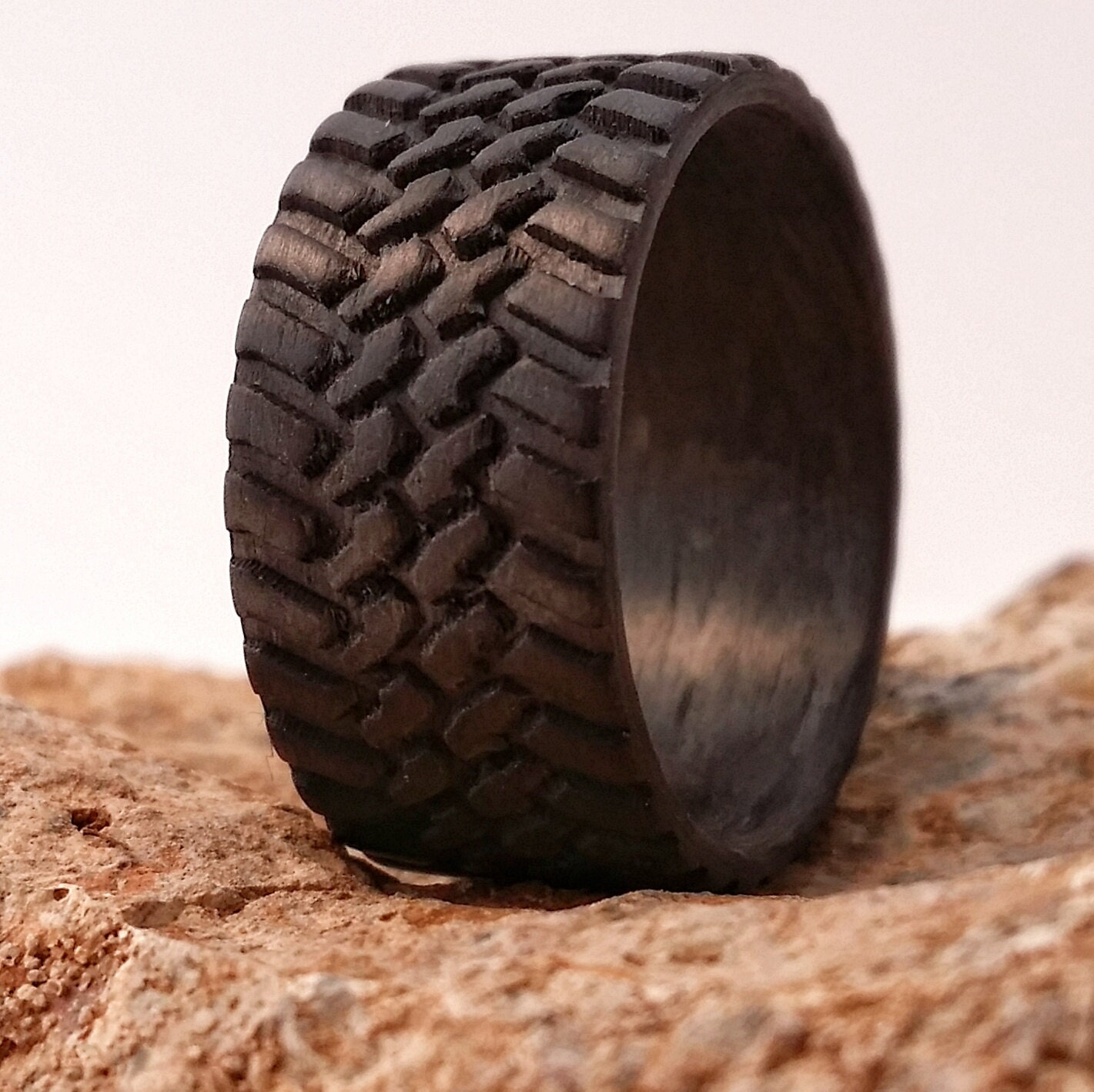 off road 10mm wide carbon fiber tread ring strong light weight - Mud Tire Wedding Rings