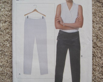 UNCUT Vogue Pants - Size 6 to 22 - Sewing Pattern 9825