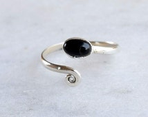 Sterling Silver Toe Ring, Black Stone Toe Ring, Silver Toe Ring , Spiral Toe Ring,Sterling Silver Toe Ring, Gypsy Look