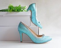 Aqua blue glitter wedding shoe, light teal,  turquoise gleam bride bridal heel, sparkle bridesmaid silver bow shoe, Something blue for bride