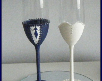 Vintage Style Bride and Groom Champagne Toasting Flutes