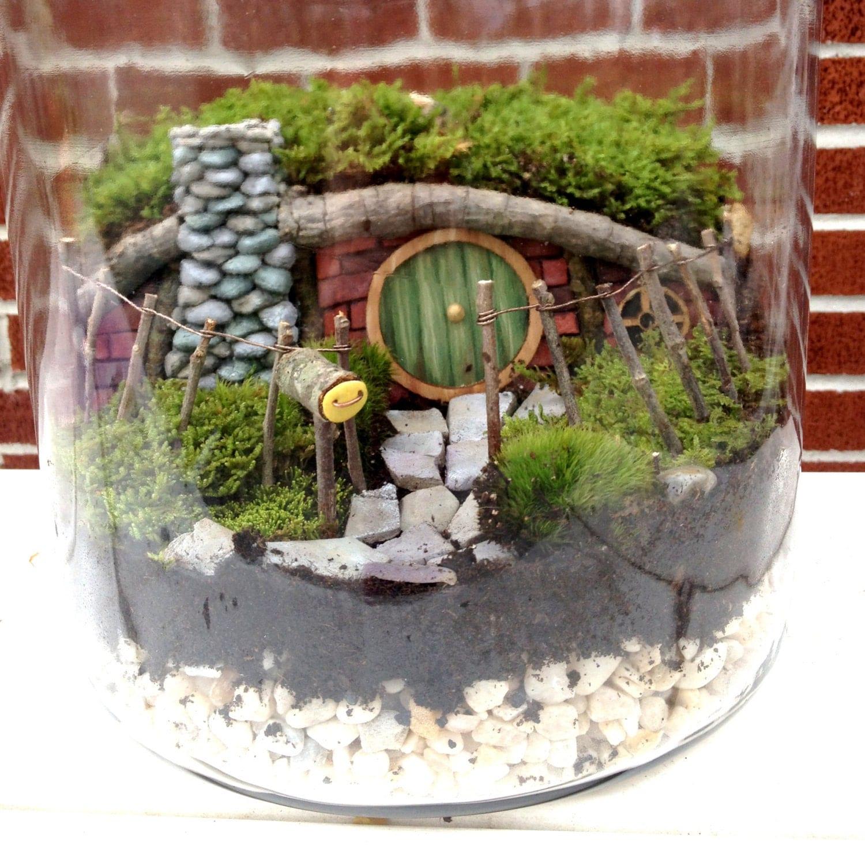 Hobbit house fairy garden or terrarium set handmade for Jardin miniature