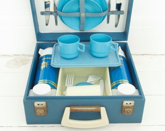 SOLD*** Sirram Holiday Picnic Set