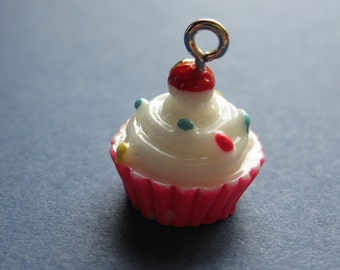 4 Cupcake Charms - Cupcake Pendants - Food Charm - Acrylic and Enamel - 18.5mm x 15.5mm  --(No.85-10021)