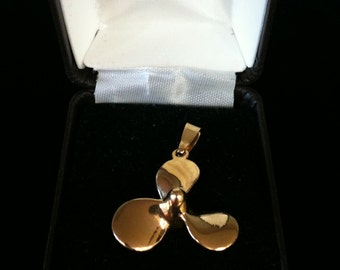 14k Yellow Solid Gold Propeller Charm 7.1gms