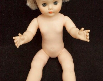 1970s - Blue Eyed DOLL w/ CAPTIVATING Look - Movable Arms & Legs
