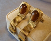 SWANK Mesh Wrap Cufflinks w Chestnut Brown Lucite cabochon - gold plate Finish - Fold Over style RETRO vintage Mid Century Mod Madmen gift