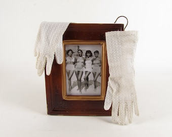 Chic Mid-Arm White Eyelet Causal Gloves