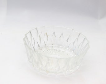 Round embossed glass ramekin