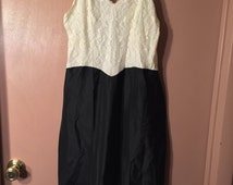Black and White Women's 50's Full Slip