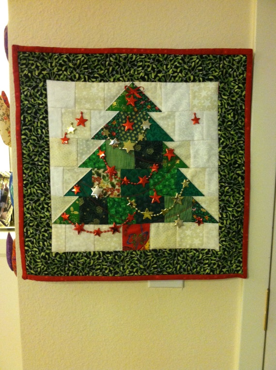 Items similar to Quilted Christmas Tree Wall Hanging on Etsy