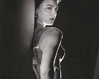 Sultry Ava Gardner Classic-Black and White print - Multiple Sizes  [730-032]