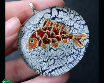 Ice fishing pendant