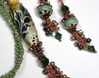 VeRDaNT ViNeS Handmade Lampwork Art Glass Earrings and Necklace Set by GLiTTeRBuG oRiGiNaLS SRAJD