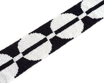 Modern Circles // Beaded Cuff // Black and White // Bracelet // Beadwork // Seed Beads
