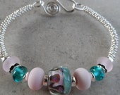 Pretty Kitty ... Boro, Lampwork and Solid Sterling Silver Beaded Bangle Bracelet