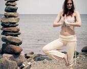ADINATA YOGA PANTS - Organic Athletic Hippie Boho Sports Trousers Fairy Pixie Faery Cotton - Off white cream - Goa
