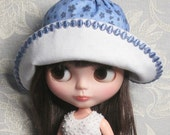 "OOAK Blythe set.  ""Sky blue & cream"" Romantic boho outfit, hat included."