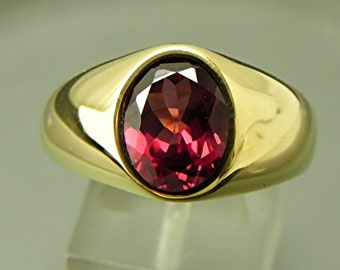 AAAAA Malaia Red Rhodolite Color shift Garnet 10x8mm 4.01 Carats 14K yellow gold ring 19 grams 0205 MMM