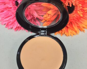 Perfect Match™   Natural Cream To Powder  Mineral  Foundation in MEDIUM LIGHT Mineral Blend color adjusting technology organic and natural