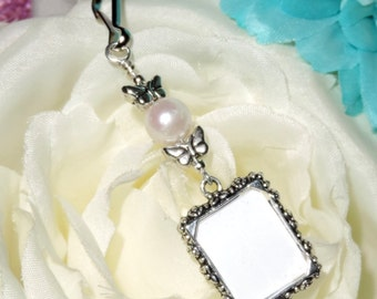 Butterflies Wedding bouquet photo charm. Bridal bouquet charm. Photo charm with pearl & butterflies. Gift for the bride. Wedding keepsake.