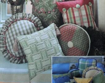 Simplicity 8859 - Home Decor Pillows of All Types - Nice Pattern - DIY - Boyfriend Pillow, Lounge Pillows - UNCUT