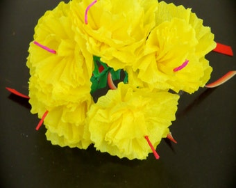 Sm Day of the Dead YELLOW Carnations Paper Flowers -  Vibrant and Necessary for your Altar- bunch of 5 with one stem