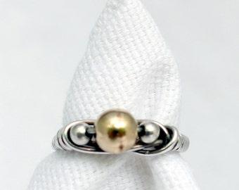 The Simple Three Bead Ring