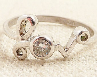 """Size 10 Vintage Sterling Cursive """"Love"""" Ring with Faceted Glass Accent"""