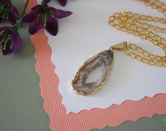 Druzy Necklace Gold, Geode Necklace, Crystal Necklace, Gold Geode Slice Druzy, GG37