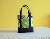 BIBLE TOTE Journaling Bible Tote Perfect Size for your Bible, Journal, Pens, Study guides.  Modern Green Floral