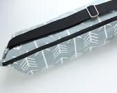 Yoga Bag Messenger Style Yoga Bag, Zipper Yoga Bag, Unisex Yoga Bag, Gray Yoga Bag, Arrows Print