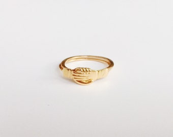 V I N T A G E // 9k 375 Fede Gimmel ring / yellow gold / just over size 5.75