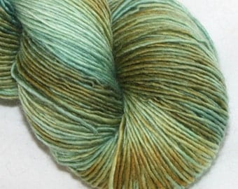 SALE--Reed Grass--Solo Cat--100% Merino single ply