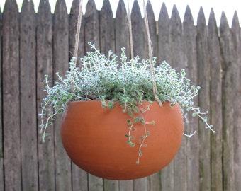 hanging terra-cotta planter, round