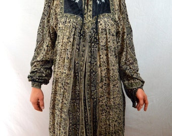 Vintage Indian Gauzy Cotton 1970s Quilted Embroidered Boho Dress