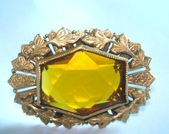 Topaz Glass Stone Leaf Repousse Brooch Gold Tone