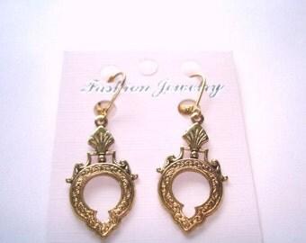 Vintage Jewelry Gold Tone Dangle Earrings
