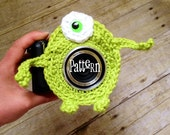 CROCHET PATTERN monster Camera lens buddy.  Crochet camera critter monster.  Photo prop, immediate download, fast & easy crochet pattern