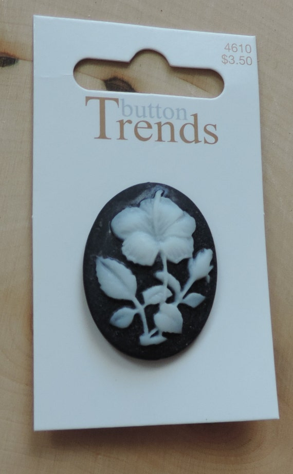 Flower Cameo Button Style 4610 Button Trends Collection Carded button by Blumenthal Lansing Co