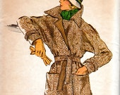 1970s Loose Fitting Wrap Coat Pattern - Vintage Vogue 8699 - Bust 34 UNCUT FF