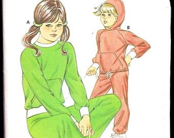 KWIK•SEW Pattern 1142, Girls' Jogging Suit,