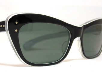 Vintage 60s Large Black Angular Cat Eye Sunglasses.