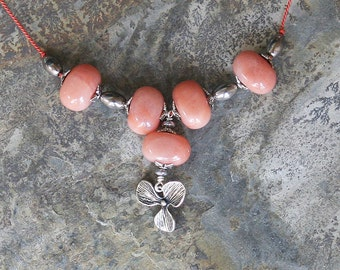 Peach Flower Necklace, Natural Stone Necklace, Pink Aventurine Necklace, Peach and Gray Necklace, Summer Necklace, Fall Necklace, Beaded