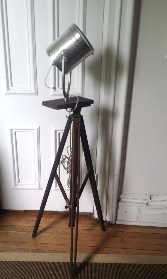 vintage tripod camera floor lamp spotlight tripod custom made lamp. Black Bedroom Furniture Sets. Home Design Ideas