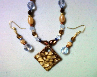 Brown, Blue and Tan Necklace and Earrings (0466)