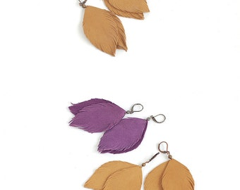 Suede leather feather earrings in violet and in light brown leather. Set of two pairs