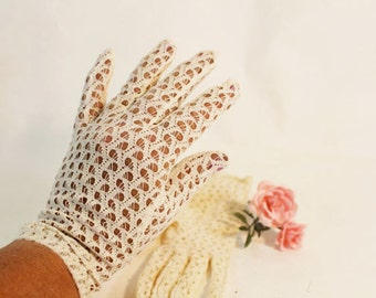 White Lace Gloves, Church Gloves, Size 7 Lace Gloves