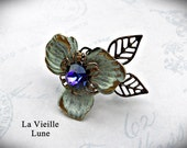 Ivory and Violet Flower Cabochon Victorian Ring, Victorian Jewelry