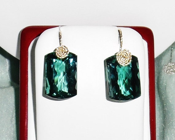 50 cts Cushion CKB Green Amethyst gemstones, 14kt yellow gold Pierced Earrings
